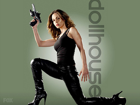 Dollhouse starts it's second season tonight (Fox, 9 pm)! Eliza Dushku is a