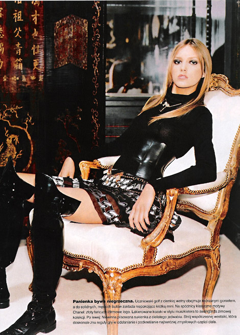 Boot Fashion: Anja Rubik, Chanel Over The Knee Patent Leather Riding Boots. Twój Styl Poland, 11/2001.