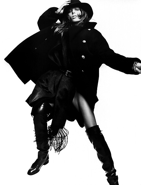 Boot Fashion: Daria Werbowy in Hermès Over The Knee Riding Boots. Vogue Paris, 08/2004.