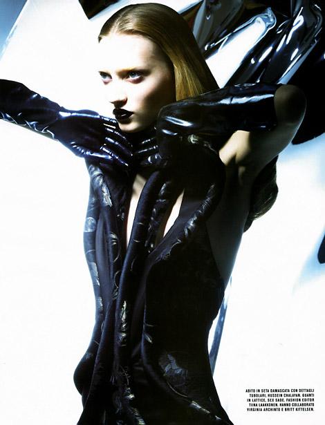 Gloves: Tatiana Lyadockrina in Latex Gloves. Flair Magazine, 03/2006.