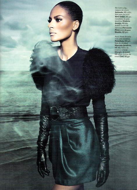 Leather Gloves: Emanuela De Paula in Cori Leather Gloves. Marie Claire Brasil, 04/2010.