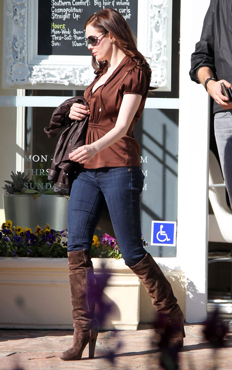 Celebrities in Boots: Rose McGowan in Fendi Knee High Boots. Los Angeles, 11.27.2010.