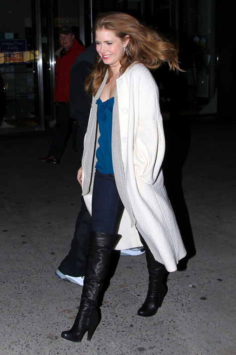 Celebrities in Boots: Amy Adams in Over The Knee Boots. NYC, 12.09.2010.