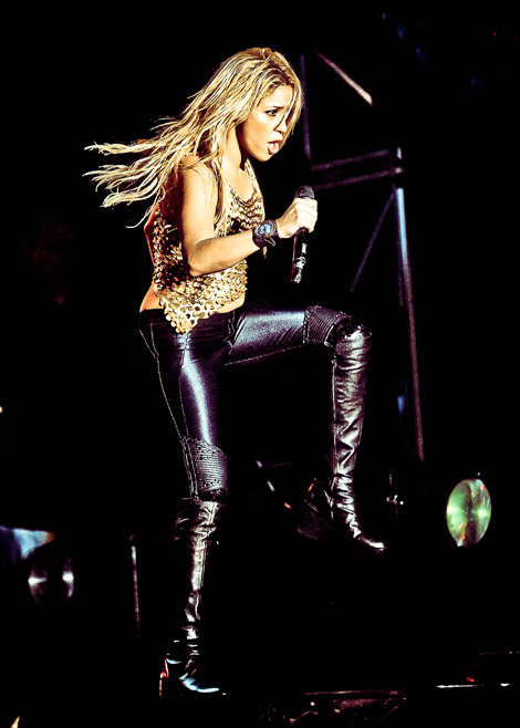 Celebrities in Boots: Shakira in Knee High Boots. São Paulo, 03.20.2011.