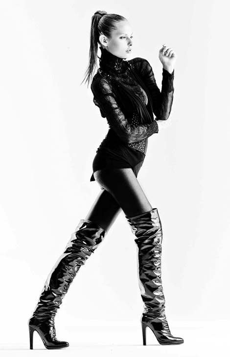 Boot Fashion: Dioni Tabbers in Over The Knee Boots. Model Showcard 2009.