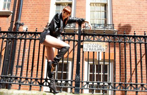 Boot Fashion: Dar De La Torre in Knee High Boots. Kitten Magazine, 06.2010.
