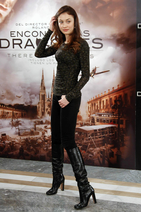 Celebrities in Boots: Olga Kurylenko in Sergio Rossi Knee Boots. Madrid, 03.22.2011.