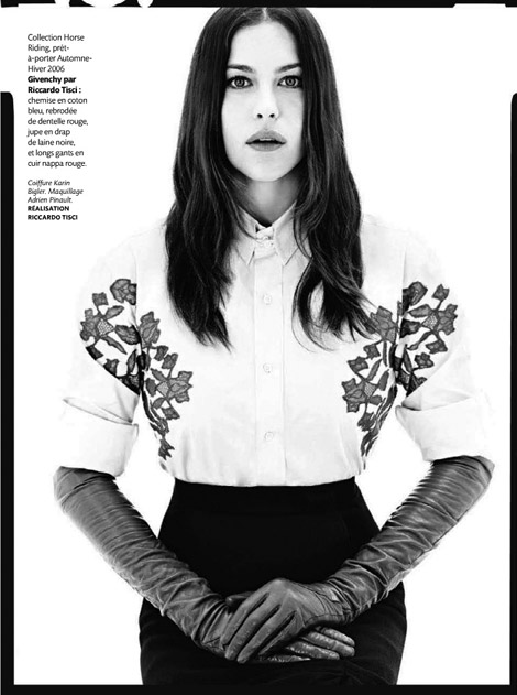Celebrities in Gloves: Liv Tyler in Givenchy Leather Opera Gloves. Madame Figaro France, 2010.