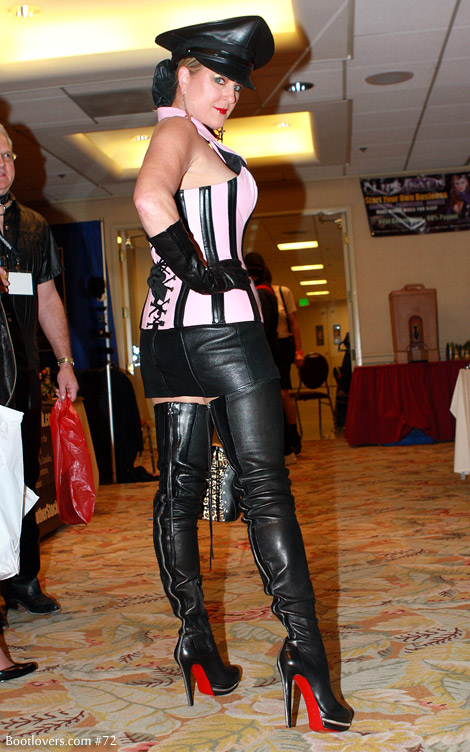 Bootlovers.com #72 Early Preview: DomCon L.A. 2011.