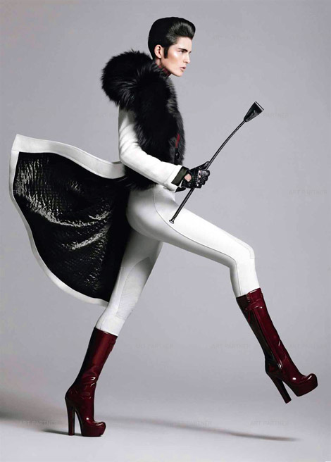 Boot Fashion: Stella Tennant in Louis Vuitton Lacquered Boots. Vogue US, 10.2011.