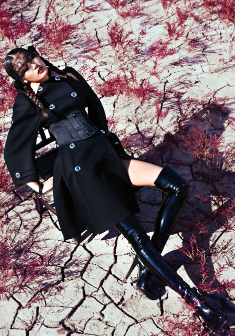 Boot Fashion: Choi Joon Young in Gucci Lacquered Thigh High Boots. Harper's Bazaar Korea, 11.2011.