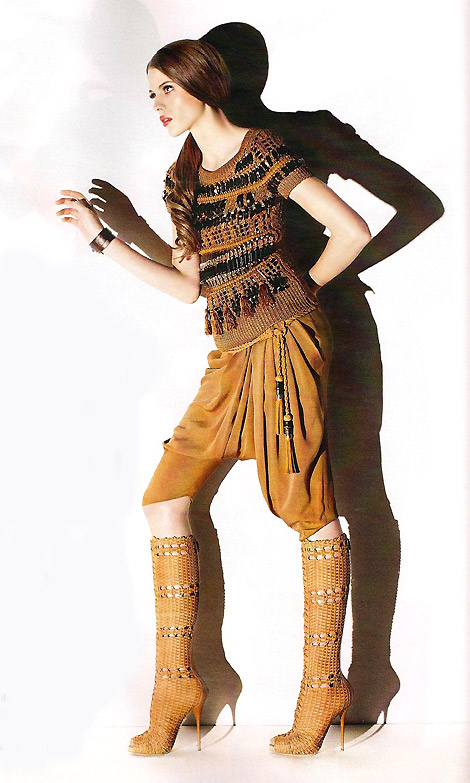 Boot Fashion: Adina Forizs in Gucci Knee High Boots. Glamour Hungary, 03.2011.