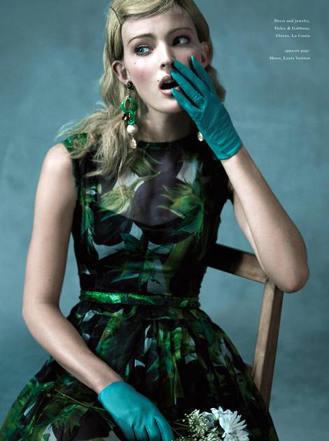 Glove Fashion: Ymre Stiekema in La Crasia Leather Gloves. The Block, Spring/Summer 2012.