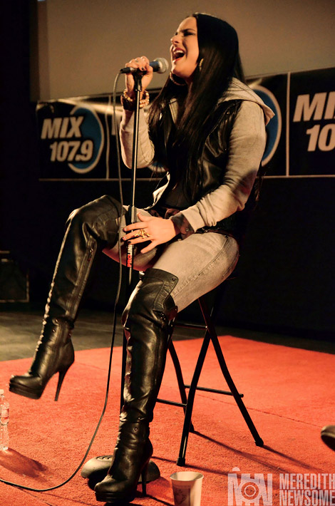 Celebrities in Boots: Jo Jo Levesque in Steve Madden Over The Knee Boots. Utah, 01.20.2012.