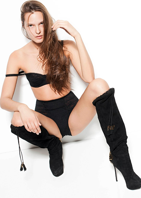 Boot Fashion: Santa Urbane in Sergio Rossi Over The Knee Boots. Fashion Models Management Promotion, 2012.