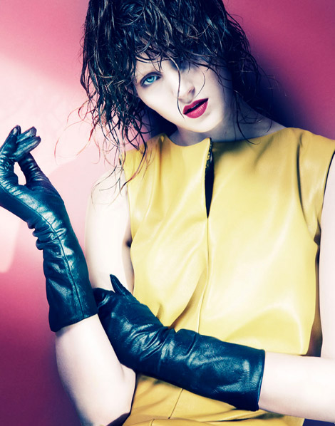 Glove Fashion: Fanny François in Black Leather Gloves. Fashion Gone Rogue, 07.2012.