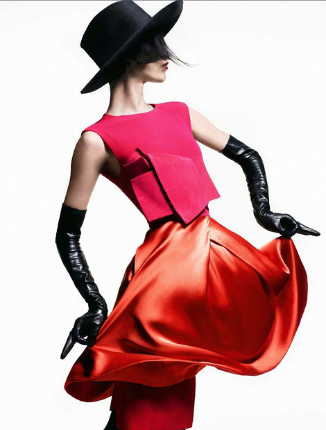Glove Fashion: Aymeline Valade in Hermès Leather Opera Gloves. Vogue Italia, 07.2012.