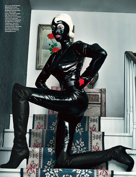 Boot/Glove Fashion: Linda Evangelista in Tom Ford Over The Knee Boots and Ines Opera Gloves. W Magazine, 09.2012.