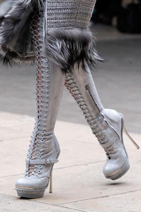 Boot Fashion: Alexander McQueen Thigh High Boots Details. Fall/Winter 2012.