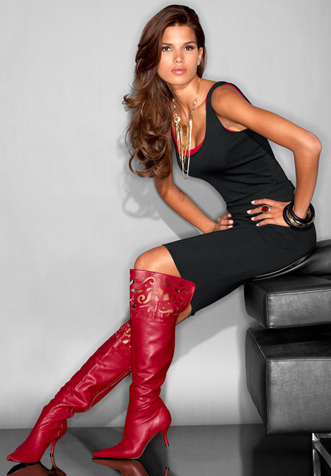 Boot Fashion: Raica Oliveira in Knee High Boots. MetroStyle, Fall/Winter 2008.