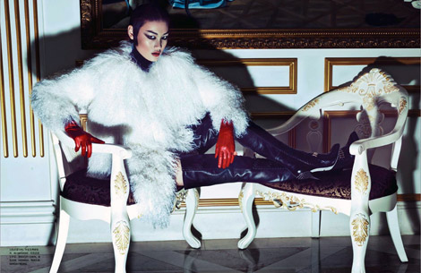 Boot/Glove Fashion: Huang Xiaomeng in Sergio Rossi Crotch High Boots and Hermès Leather Gloves. Numéro China, 09.2012.