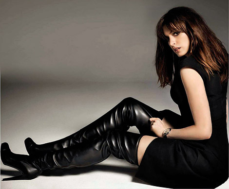 Celebrities in Boots: Anne Hathaway in Thigh High Boots. GQ Spain, 07.2012.