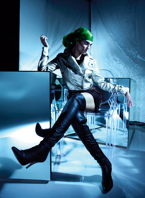 Boot Fashion: Isabella Covolan in Ellus Thigh High Boots. Boarding Magazine Brasil, 06.2012.
