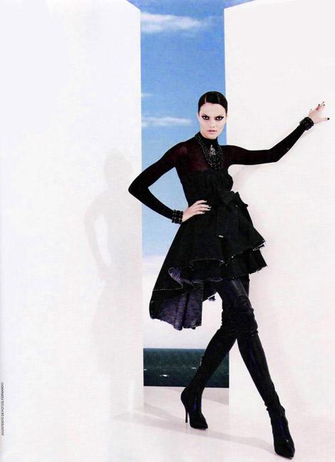 Boot Fashion: Barbara Fialho in Forum Tufi Duek Thigh High Boots. Marie Claire Brasil, 08.2009.