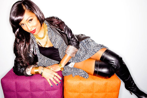 Celebrities in Boots: Melanie Fiona in Thigh High Boots. AOL Sessions, 06.12.2012.