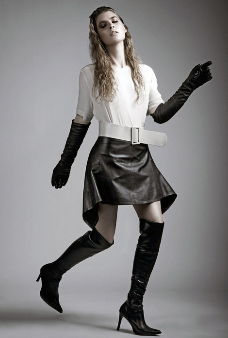 Boot/Glove Fashion: Natalie Tusznio in Over The Knee Boots and Leather Opera Gloves. Fashionising, 07.2012.