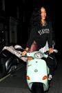 Rihanna083003th