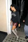 Rihanna083004th