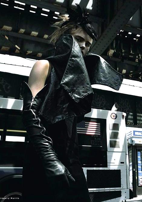 Glove Fashion: Madison Headrick in Dorothy Gaspar Leather Opera Gloves. Vogue Russia, 12.2012.