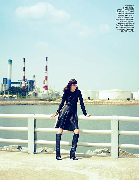 Boot Fashion: Lee Hyun Yi in Calvin Klein Knee High Boots. Harper's Bazaar Korea, 09.2012.