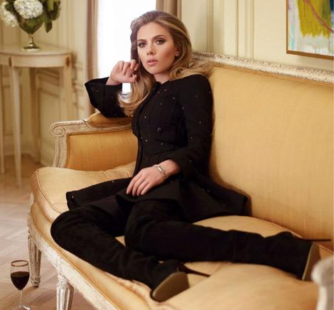 Celebrities in Boots: Scarlett Johansson in Balmain Thigh High Boots. Vanity Fair France, 07.2013.