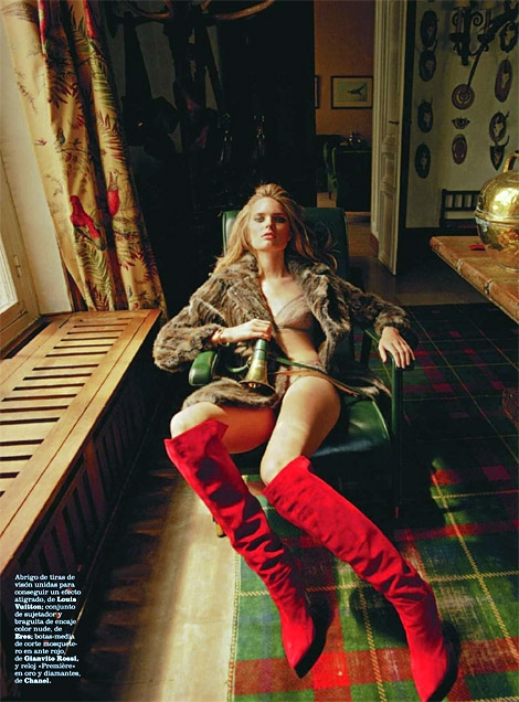 Boot Fashion: Agnete Hegelund Hansen in Gianvito Rossi Over The Knee Boots. Marie Claire Spain, 11.2013.