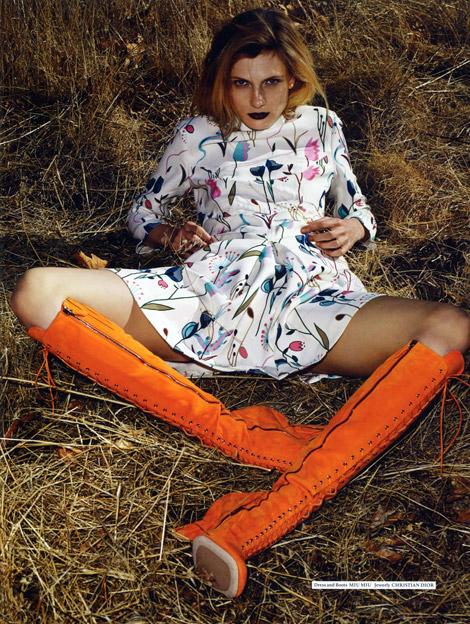 Boot Fashion: Maria Loks in Miu Miu Knee High Boots. Tvtor #1, Spring 2014.