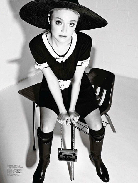 Celebrities in Boots: Dakota Fanning in Vintage Hermès Riding Boots. Jalouse Magazine, 03.2014.
