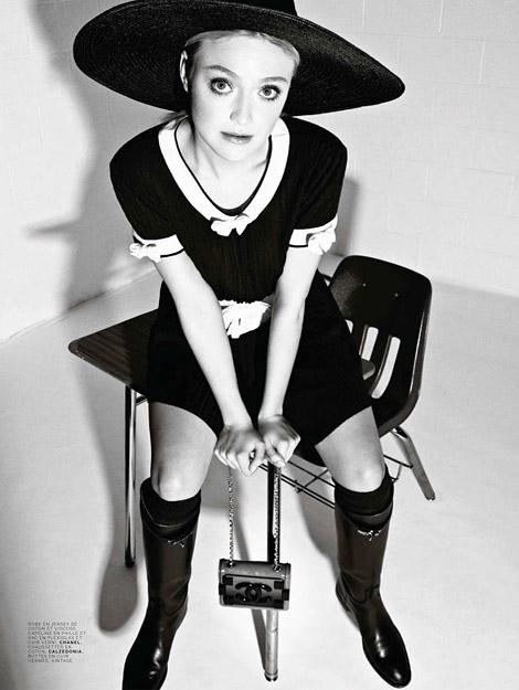 Celebrities in Boots: Dakota Fanning in Vintage Hermès Riding Boots. Jalouse Magazine, 03.2014.