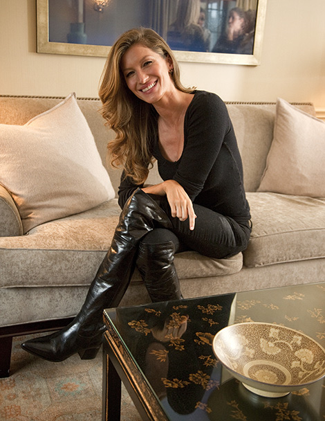 Celebrities in Boots: Gisele Bündchen in Over The Knee Boots. Andy Kropa 2014 Photoshoot.